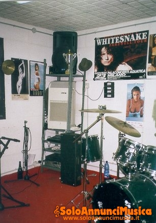 Saletta prove musicale per gruppi musicali