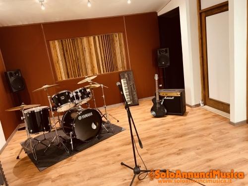 MEET YOUR VIBES STUDIOS CONEGLIANO VENETO (TV) REGISTRAZIONI / MASTERING & MIXING / PRODUZIONE MUSICALE / SALE PROVA /  CORSI MUSICALI / GRAFICA / VIDEO / WEB