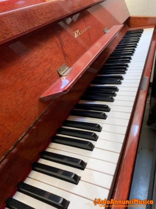 cedo pianoforte acustico buone condizioni a prezzo simbolico